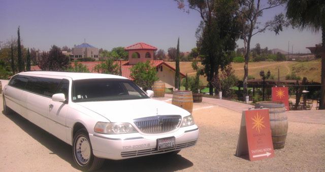 White Lincoln Limousine - Newport Beach