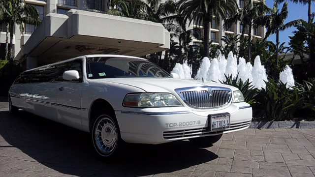 Rent a Limo in Costa Mesa