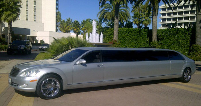 Mercedes Benz Luxury Limousine Rental