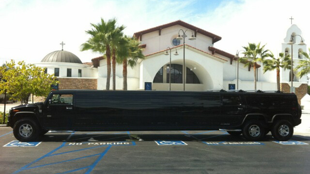 Black H2 Hummer Limo Rental