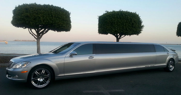 Rent Luxury Limousine Near Me